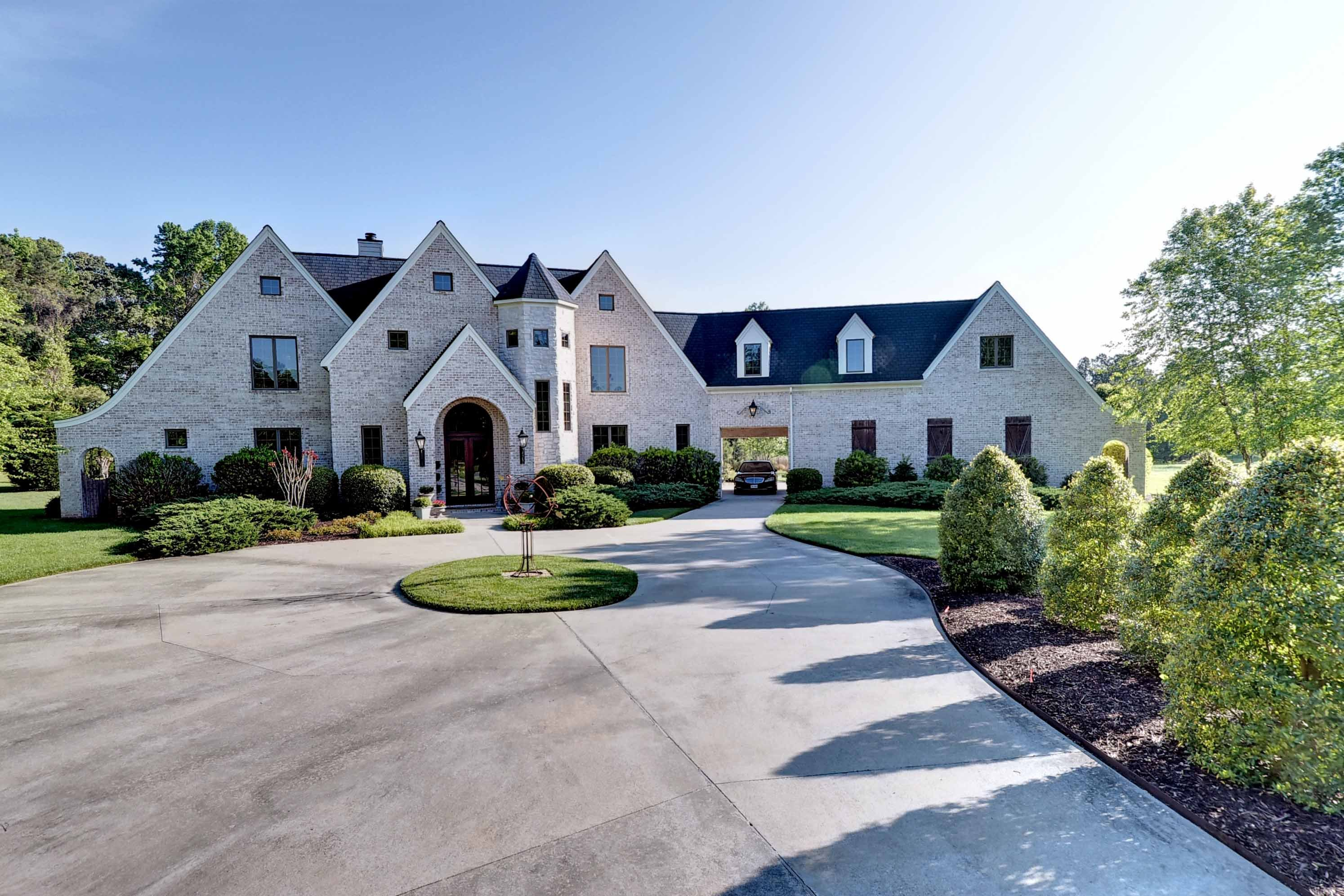 High End Luxury Homes for Sale in Williamsburg VA
